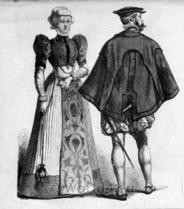 Renaissance-Costume-003-352x400
