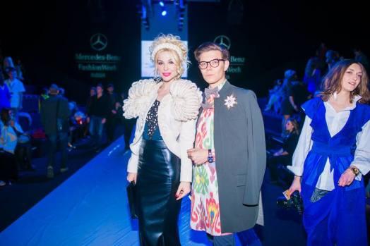 с Маленой Маяковской. На Тиме брошь #лацкандня, рубашка Yekaterina Ivankova, пиджак и бабочка Goga Nikabadze