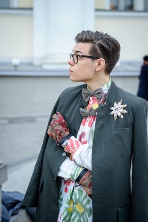 фото Анна Антонова. На Тиме #лацкандня, рубашка Yekaterina Ivankova, пиджак и бабочка Goga Nikabadze