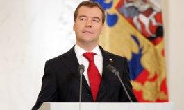 В начале президентского срока Дмитрий Медведев предпочитал следовать стилю В. Путина