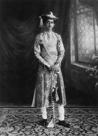 Investiture_of_his_Highness_Maharaja_Yeshwant_Rao_Holkar_Bahadur_of_Indore_9th_May_1930