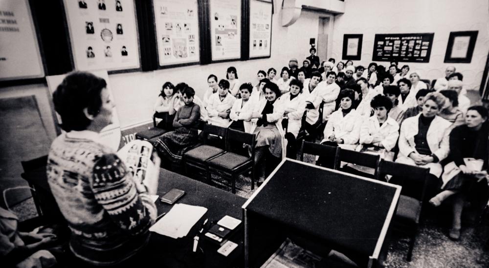 Лидия Орлова выступает перед студентами. Конец 1980-х